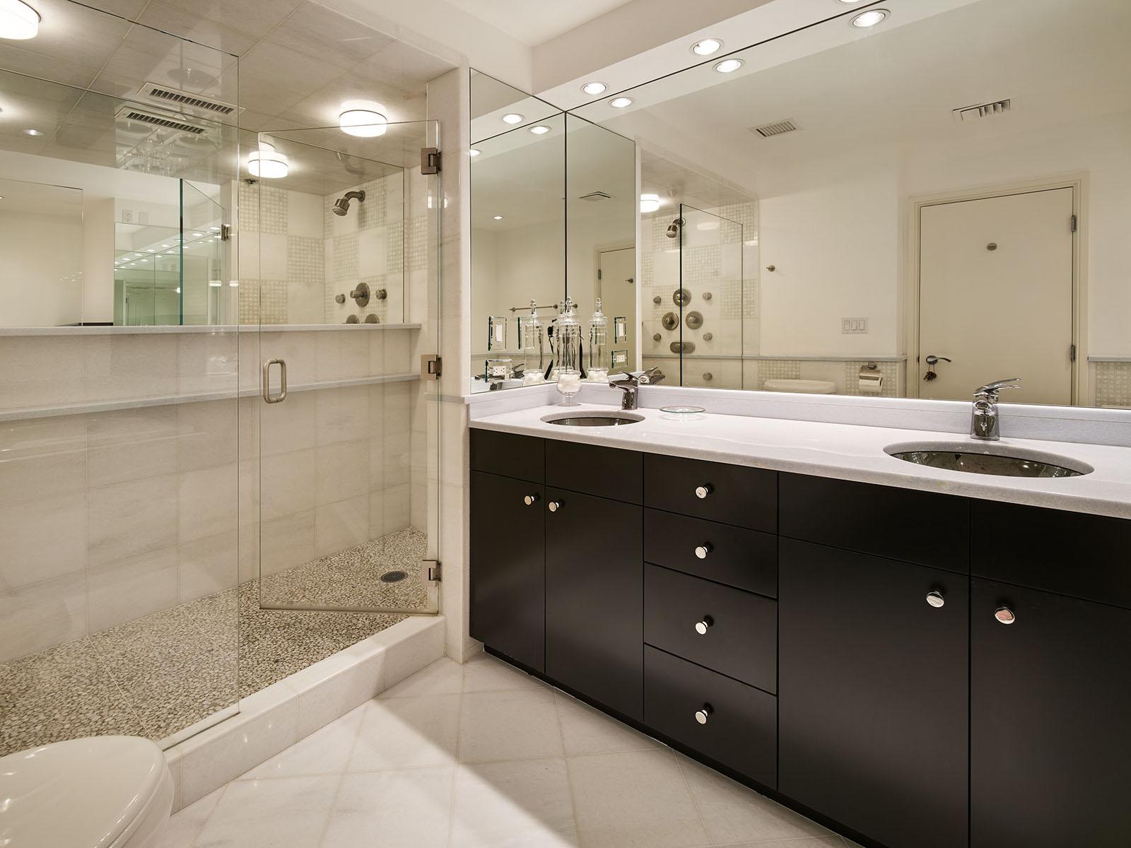 Bedroom suite 2 bathroom